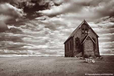 desert_church_depositphotos
